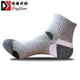 Comercio al por mayor compresión al aire libre Deporte Senderismo calcetines de algodón