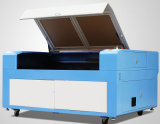 木製アクリルのための二酸化炭素レーザーの打抜き機プラスチックはレーザーの彫刻家に文字を入れる