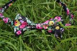 Напечатанный флористический вскользь натянутый лук связи установил с сопрягая карманным квадратом