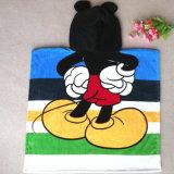 赤ん坊の綿のフード付きの浴衣