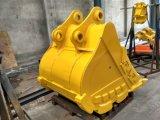 小松PC220のためのSfの高品質の掘削機の石の掘るバケツ