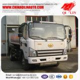 4X2 la capacité du châssis 5.3cbm réapprovisionnent en combustible le camion-citerne aspirateur