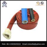 シリコーンの上塗を施してあるファイバーガラスは絶縁体の管にスリーブを付ける