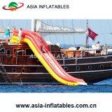 Скольжение воды яхты красного цвета гигантское раздувное взрослый для сбывания