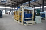 Het hydraulische Automatische Concrete Holle Blok dat van het Cement Machine maakt