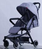 Neuer Entwurfs-Luxuxfalten-Baby-Spaziergänger mit europäischem Standard