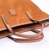 Waterproof Nylon Handbag方法贅沢な金女性ショルダー・バッグ