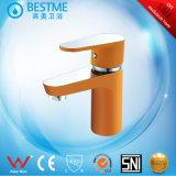 Le robinet du bassin en laiton coloré finition au four robinet mélangeur (BM-B10011F)