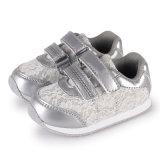 Schoenen van de Sport van de Meisjes van de Schoenen van de Tennisschoenen van de Kinderen van de Stof van het Kant van de manier de Hogere