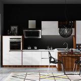 水晶石造りのカウンタートップの食料貯蔵室の高級家具の白いラッカーボードが付いているカスタム現代食器棚