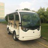 Bus facente un giro turistico della sede della batteria 8 (Lt-S8)