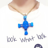 三落着きのなさ手の紡績工指の焦点のおもちゃの指先の骨組十字の吊り下げ式のネックレスの宝石類