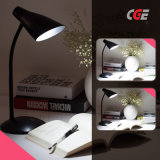 Las lámparas LED luces LED de la tabla de plástico portátil moderna mesa LED recargable Lámpara de iluminación LED para la lectura de lámparas de mesa