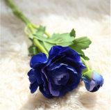"""Künstliche Blumen-Hand, die """" hoher langer Stamm-Kunstseide Rose der Simulations-25 anstreicht"""