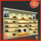 Oficina de sapata de madeira escura para exibir