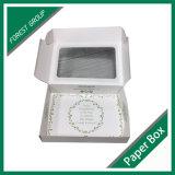 Caixa de papel dobrada branca dos doces com indicador do PVC