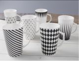 Tazza di caffè a forma di V di ceramica all'ingrosso 12oz con il marchio