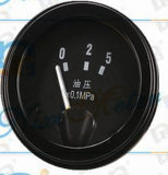 Le vieux mètre de température de l'eau pour les machines agricoles