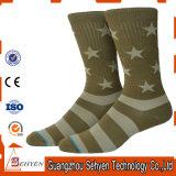Kundenspezifische Form-Baumwollstrickende Armee-Socken