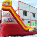 子供のためのセリウムのブロアが付いている屋外のかわいく膨脹可能な車のスライド