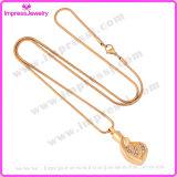De Halsbanden van de urn voor de Tegenhanger van het Hart van het Gouden Plateren van de As met Kristallen Ijd9687