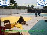 アフリカの顧客は屋外のバスケットボールの使用のスポーツの床張りを選択する