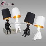 Lámpara de vector de la resina del diseño de Little Boy de la fábrica de la iluminación de Guzhen