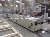 Produção do perfil do PVC Ceiliing e linha da extrusão