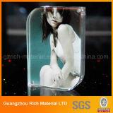 Pantalla de plástico del marco doble cara acrílico de la foto / imagen con imanes