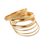 De vrouwen vormen de gouden-Kleur Gevulde Multilayer Armbanden van de Armbanden van Juwelen