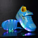 De nieuwe Schoenen van de Rol van de Jongens van de Camouflage van de Tennisschoenen van de Manier van de Stijl met de Intrekbare Sport van Wielen, het Goedkope Goed van de Schoenen van de Rolschaats van de Jonge geitjes van de Prijs