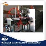 Vara do cotonete de algodão que faz a máquina com embalagem e secagem