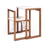 寮のためのスペース節約の灰の純木のライティングデスクそして椅子