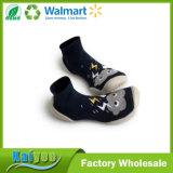 Пользовательские Wholeslae Красный стильный детей или взрослых резиновые носки Soled