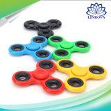 El hilandero plástico de la mano del dedo del EDC del juguete colorido de la persona agitada para releva la tensión