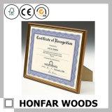 Bâti antique de document de certificat d'illustration en bois solide pour le bureau