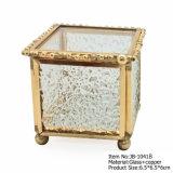 El último pequeño rectángulo de joyería retro negro de oro