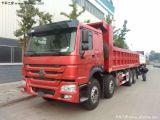 De Vrachtwagen van de Kipwagen van Sinotruk HOWO 8X4 met 30-40 die laden