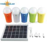 Torche solaire de 4 pièces avec chargeur de téléphone mobile