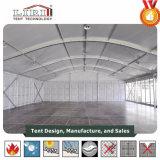 Grosses Arcum Zelt mit Glaswänden und Glastüren