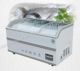 Congelador doble de la isla usado como contador del equipo de refrigeración en supermercado