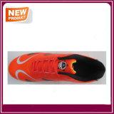 Il calcio esterno di colore arancione calza all'ingrosso