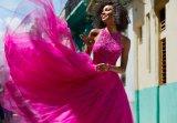 Halter bördelte pinkfarbenes Abschlussball-Kleid (42095)