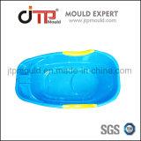 As crianças de bebé e usar o plástico do molde banheira de bebé
