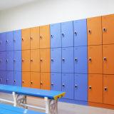 Armario 3 puertas vestuarios utilizados con banco