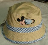 デニムのニースの刺繍の子供の方法釣帽子