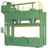 La machine froide de presse pré-compriment la chaîne de production de contre-plaqué de machine