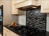 Controsoffitti neri assoluti del granito della cucina di Prima