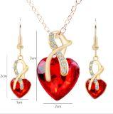 De Juwelen van de Oorringen van de Halsband van het Hart van het kristal voor Toebehoren die van het Huwelijk van Vrouwen de Bruids worden geplaatst