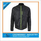 卸し売り人のポリエステル方法屋外のための偶然の防水ウインドブレイカーのジャケット